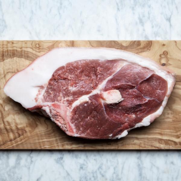 Βιολογικό Μπούτι Χοιρινό με Οστό & Δέρμα, Iberico, Bio, Kermes